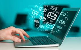 Ноутбук и письма